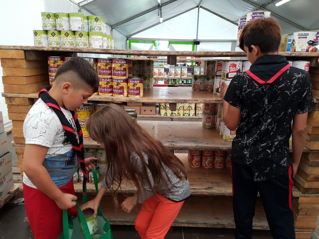 Camp scout avec des enfants des bidonvilles - Les enfants du canal